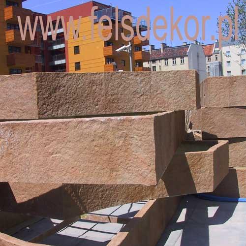 picture/apartament_silesia_leopoldinum_felsdekor_sztuczne_skaly_donica_10.jpg