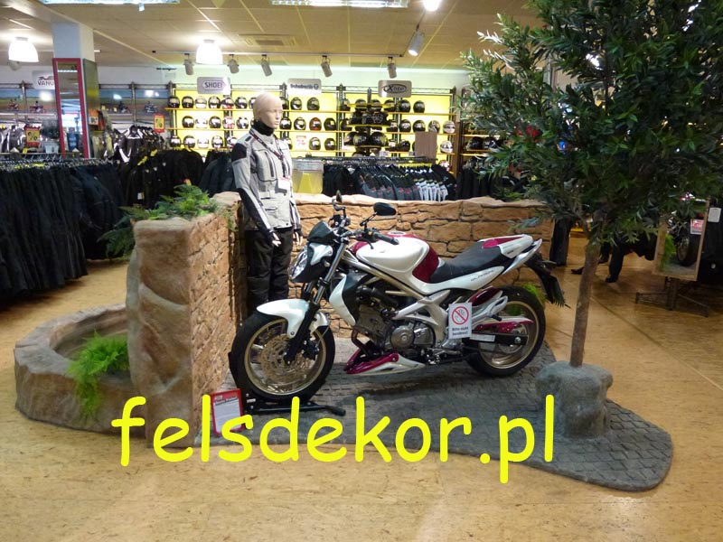 picture/felsdekor_sztuczne_skaly_kunstfelsen_prezentacja_motocykle_2.jpg
