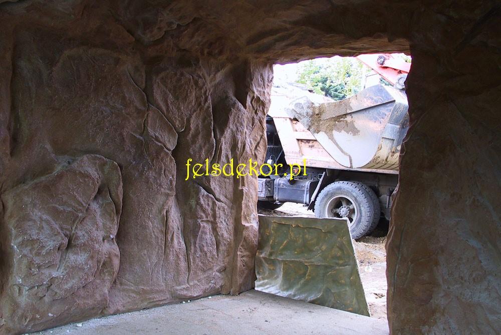 picture/zoo_warszawa_malpiarnia_wybieg_jaskinia_8.jpg